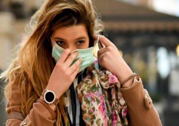Coronavirus, le mascherine trattengono <b>CO2</b>? Studio americano smentisce