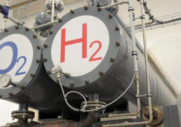 Snam dal gas all'idrogeno: compra il 33% di De Nora