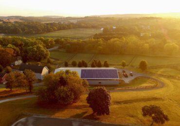 """Legambiente: """"Le comunità energetiche possono essere il motore per la <b>decarbonizzazione</b> del ..."""