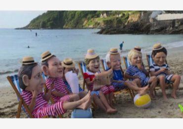 Leader in spiaggia a prendere il sole, la protesta Oxfam al G7